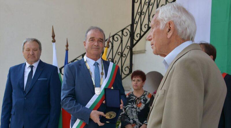 Д-р Христо Грудев: Честит празник! Благодаря ви, че духът на Асеновград е жив!